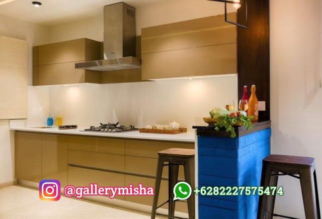 Dapur ramping bersama dengan sentuhan modern.