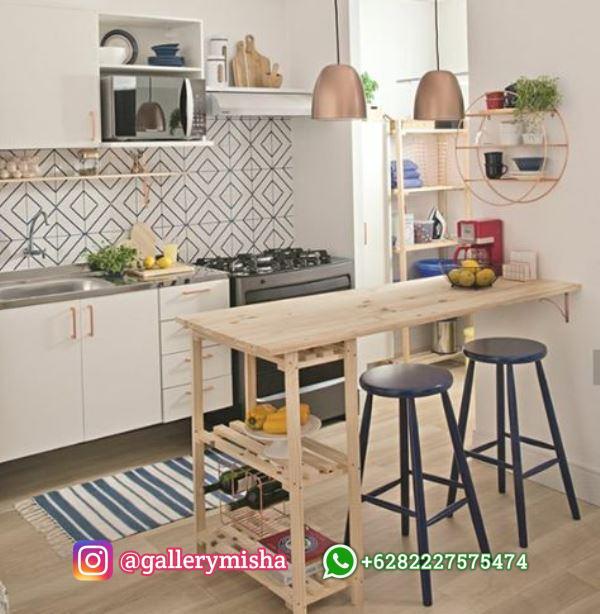 Dekorasi Dapur simpel dengan meja makan